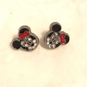 Minnie Mouse studded earrings